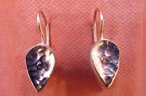 <b>A037-9</b> - hammered leaf earing, sterling silver and 9K rose gold
