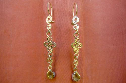 <b>A090-14</b> - 14K gold spirals earing with a drop citrine