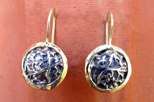 <b>A104</b> - Sterling silver laced dome in 14K gold frame earing