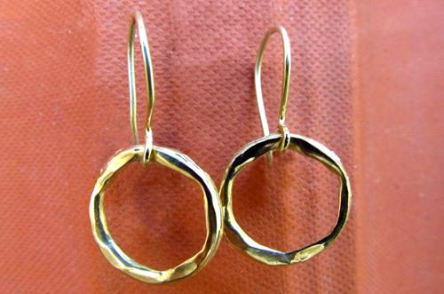 <b>A108</b> - 14K gold earing