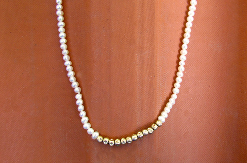 <b>SH042-small</b> - pearl and 14K gold beads necklace