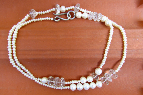 <b>SH114</b> - mixed pearls and crystals necklace