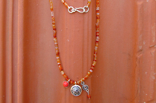 <b>SH118-car</b> - carnelian necklace with sterling silver elements