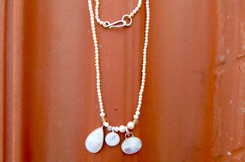 <b>SH116-moon</b> - moonstone and pearls necklace